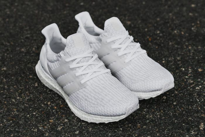 Adidas Triple white ultra boost 1.0 ( Clothing & Shoes ) in San
