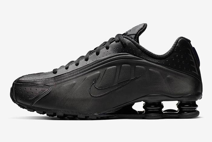 Nike Shox R4 Delivers the 'Triple Black'