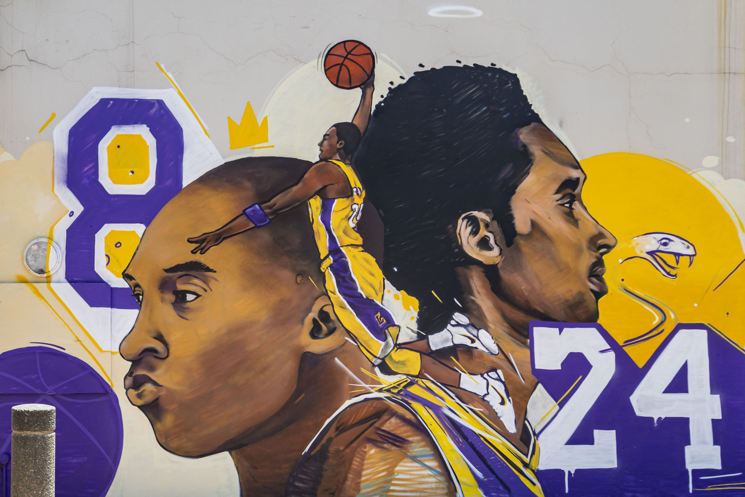 Hunting For Kicks Pays Tribute to Kobe Bryant With Wall Mural